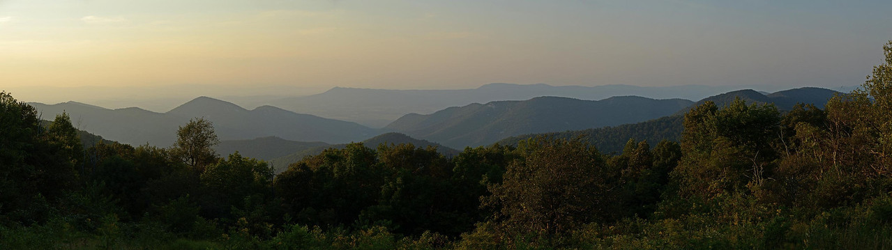 4968 – Shenandoah Valley panorama from Friday night.