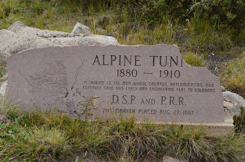 6541 - A stone plaque commemorating  the tunnel. It seems to be a little less for wear too.