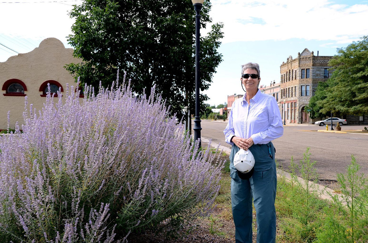 5838 - Gail is showing her girlish side. Loves the lavender!