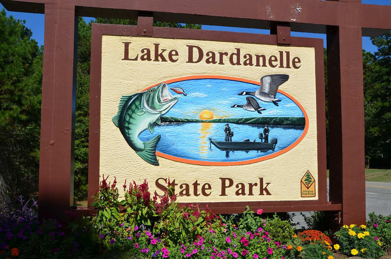 9331 - Lake Dardanell State Park, Arkansas. Voted the best park in Arkansas. (Well deserved.) Elevation still going down!