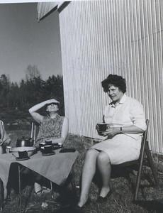 1968 Torill Haakonsen og Phyllis Jacobsen