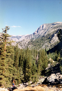 View north toward Piute Creek from the trail to Evolution Valley.