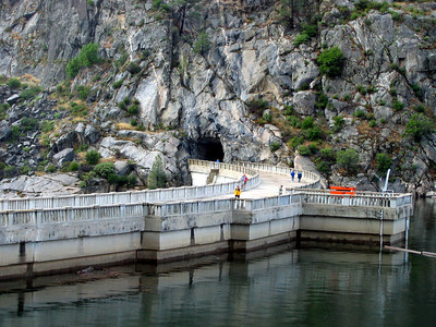 O'Shaughnessy Dam, with the trail access tunnel on the opposite side. This lake is full to the brim.