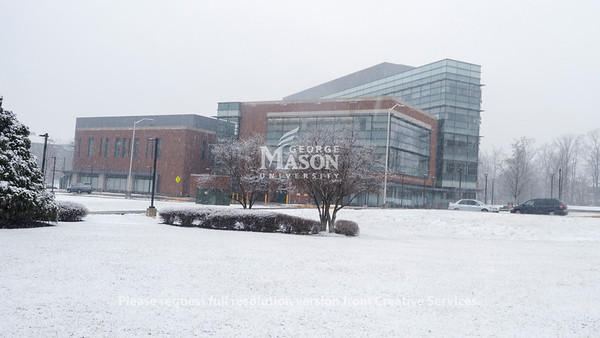 Snow on Fairfax campus. Photo by Evan Cantwell/Creative Services/George Mason Universitty