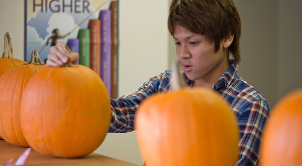 2013_International_Pumpkin_Carving_Day