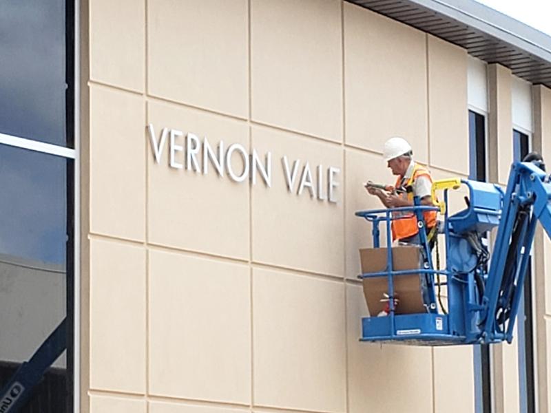 Vernon Valenzuela Veterans Resource Center_construction_signage_09_19_19