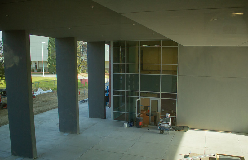The breezeway between the two annexes of the main Campus Center building.