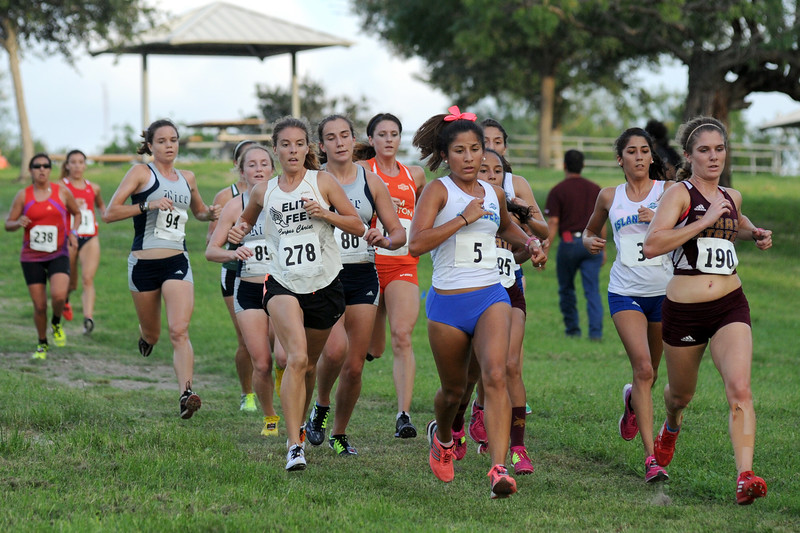 the-islanders-womens-cross-country-team-competed-in-the-14th-annual-islander-splash-held-at-west-guth-park-on-friday_10054941193_o