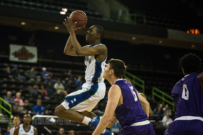 012817_TAMUCC_MBasketball (16 of 17)