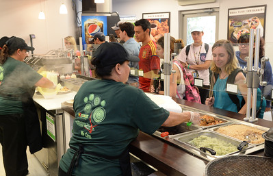 students-try-out-the-new-chick-n-grill-eatery-which-recently-opened-in-the-center-for-instruction_25788184345_o
