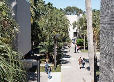 Students walk through the C.I. courtyard on their way to class.