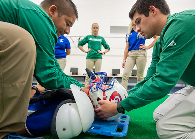 Kinesiology students take part in an Emergency Care Workshop.