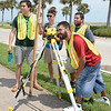 gis-students-take-surveying-measurements-at-various-campus-locations_15155578230_o
