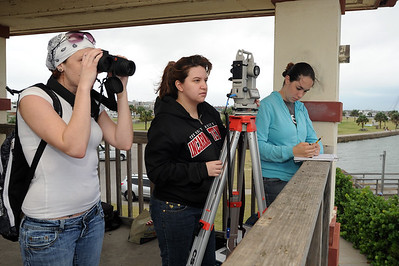 students-in-marine-biology-class-track-and-record-information-about-dolphins-spotted-in-port-aransas_10444891343_o