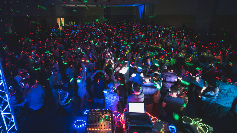 TAMU-CC class of 2020 celebrates the new semester at the NSO Glow Party.