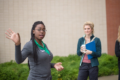 Islander Tour Guide, gives a tour to students starting their semester in Spring of 2015