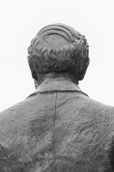 moench statue