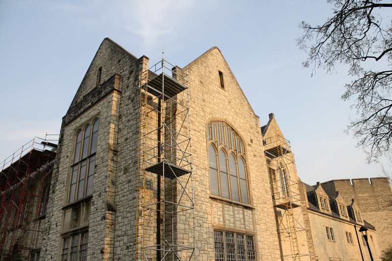Scaffolding surrounds the northwest corner of Hale Library on the Kansas State campus on April 5, 2019. (Dene Dryden | Collegian Media Group)