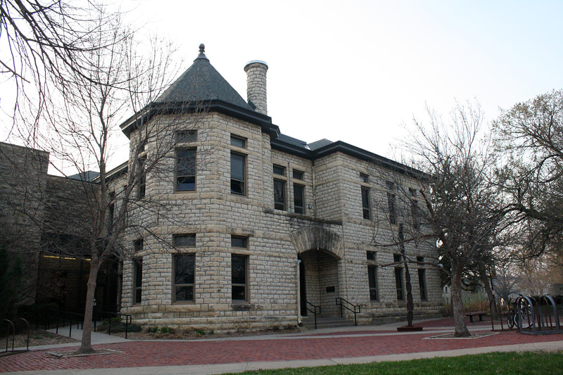 Kedzie Hall, home to the A.Q. Miller School of Journalism and Mass Communications, on the Kansas State campus on April 5, 2019. (Dene Dryden | Collegian Media Group)