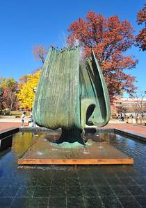 memorial fountainl2150 (2)
