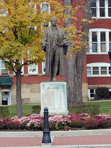 statue4423