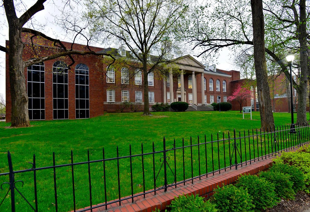 Murrow library1937