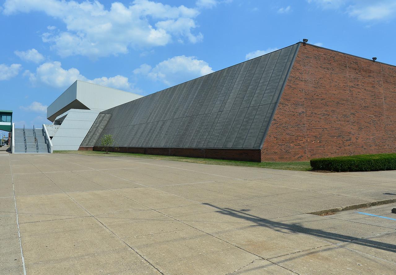 Henderson Center1528