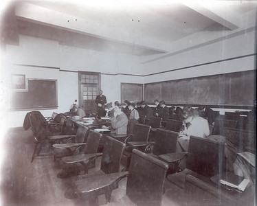 Palmer classroom in 1906