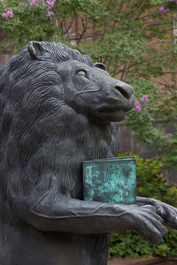 Frank Fleming, an Alabama artist, created and donated this statue to UNA.