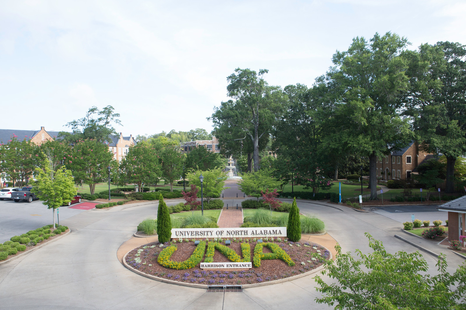 The entrance of the University of North Alabama.