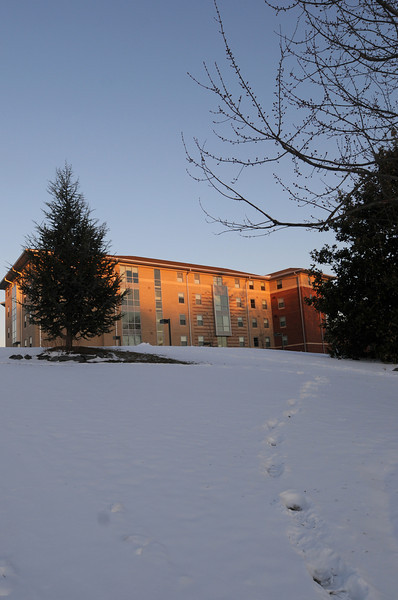 090317052e - Fairfax, VA, Northern Neck residence hall. Photo by Evan Cantwell/Creative Services/George Mason University