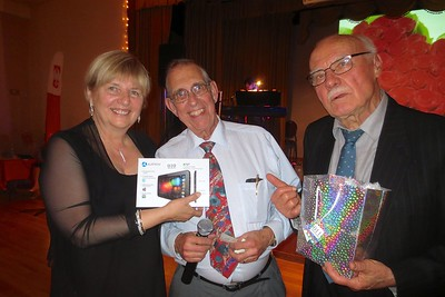 A  prize winner with the prizes organizers