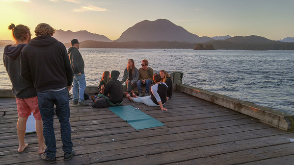 Meeting to watch sunset from the Tofino harbour