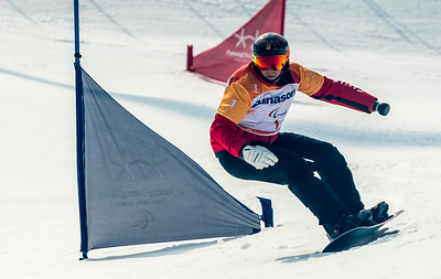 PyeongChang 12/3/2018 - Curt Minard during the snowboard cross competition at the Jeongseon Alpine Centre during the 2018 Winter Paralympic Games in Pyeongchang, Korea. Photo: Dave Holland/Canadian Paralympic Committee