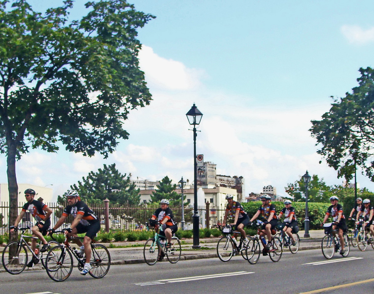 Bicycling Montreal