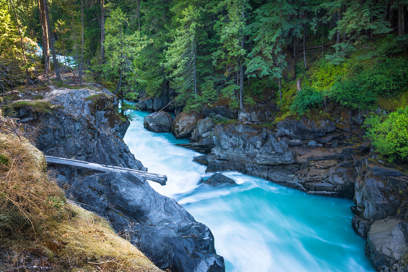 CA 006<br /> <br /> Ice and snow melt give the Green River it's deep turquoise color as it flows through Nairn Falls Provincial Park in British Columbia.