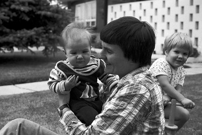 1978001-R4-C2-Southampton-Drive-Calgary-Alberta-Ruth-Vivienne-Richard-1978