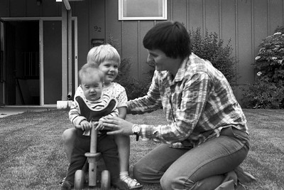 1978001-R3-C4-Southampton-Drive-Calgary-Alberta-Ruth-Richard-Vivienne-1978