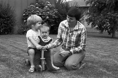 1978001-R3-C3-Southampton-Drive-Calgary-Alberta-Richard-Ruth-Vivienne-1978