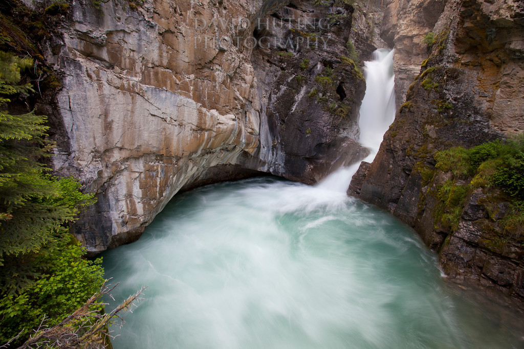 Lower Falls Flowing - Horizontal View