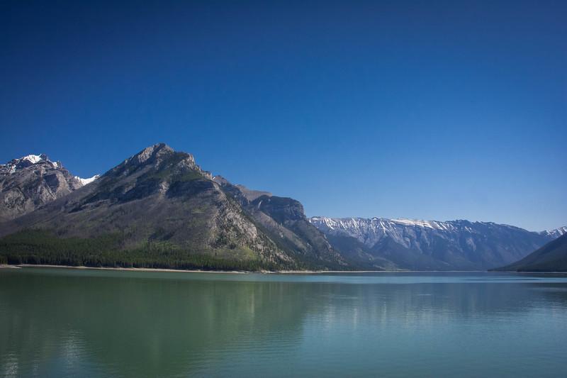 lake minnewanka scenic drive