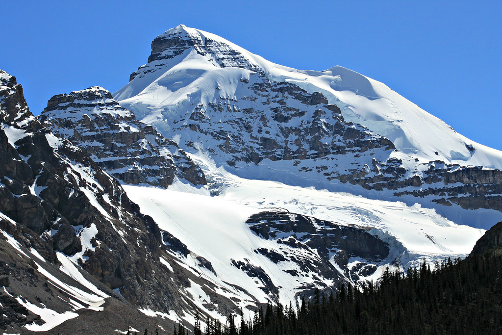 Icefields Parkway Road Trip – Snowy Mountains