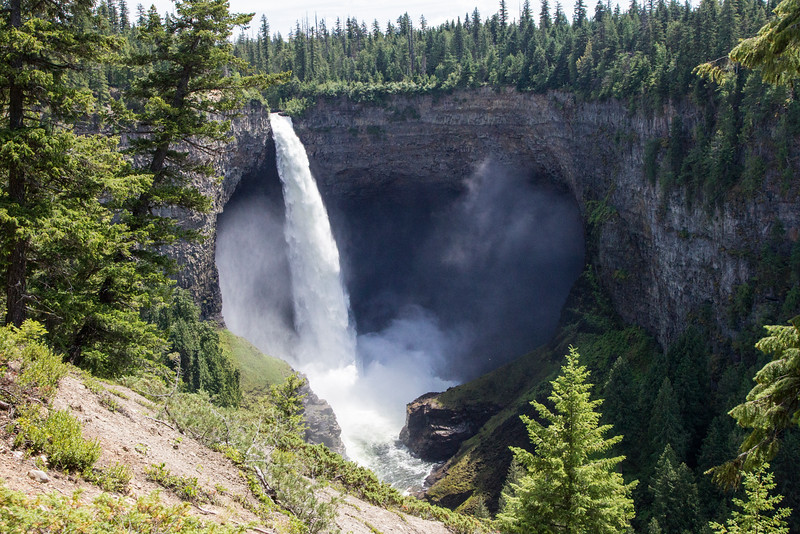 Helmcken Falls is the Icon of Wells Grey Park, Canada's Park famous for the large number of waterfalls it contains.