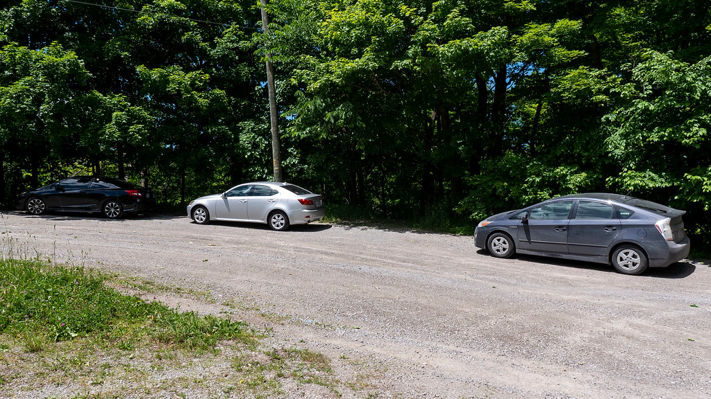 Small parking area on Glen Road to hike the Bruce Trail