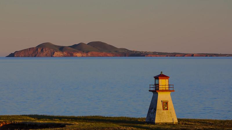 CANADA-Quebec-Îles de la Magdeleine- Havre aux Maisons-Cape Alright lighthouse and Entree Island