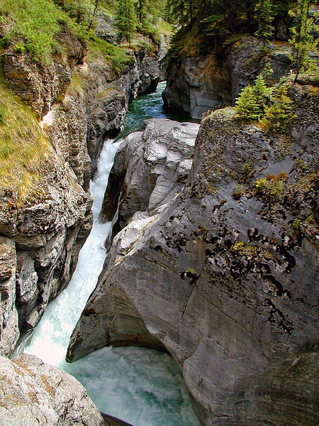 Deep Cut Canyon & Falls