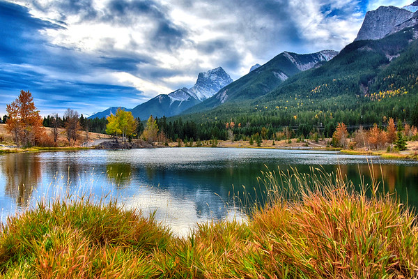 Quarry Lake and mountain and fall colors