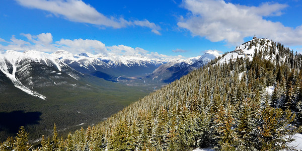 view from top of Sulphur Mountain Gondola