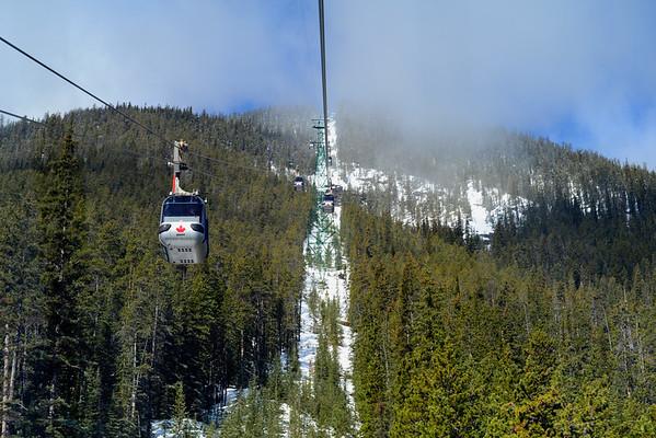Tram ride uo Sulphur Mountain