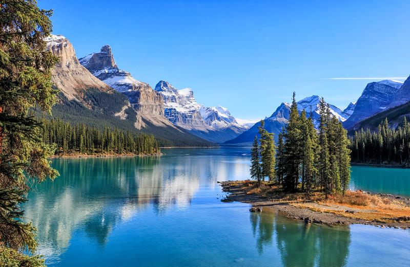 Maligne Lake and Spirit Island (Jasper, Alberta)